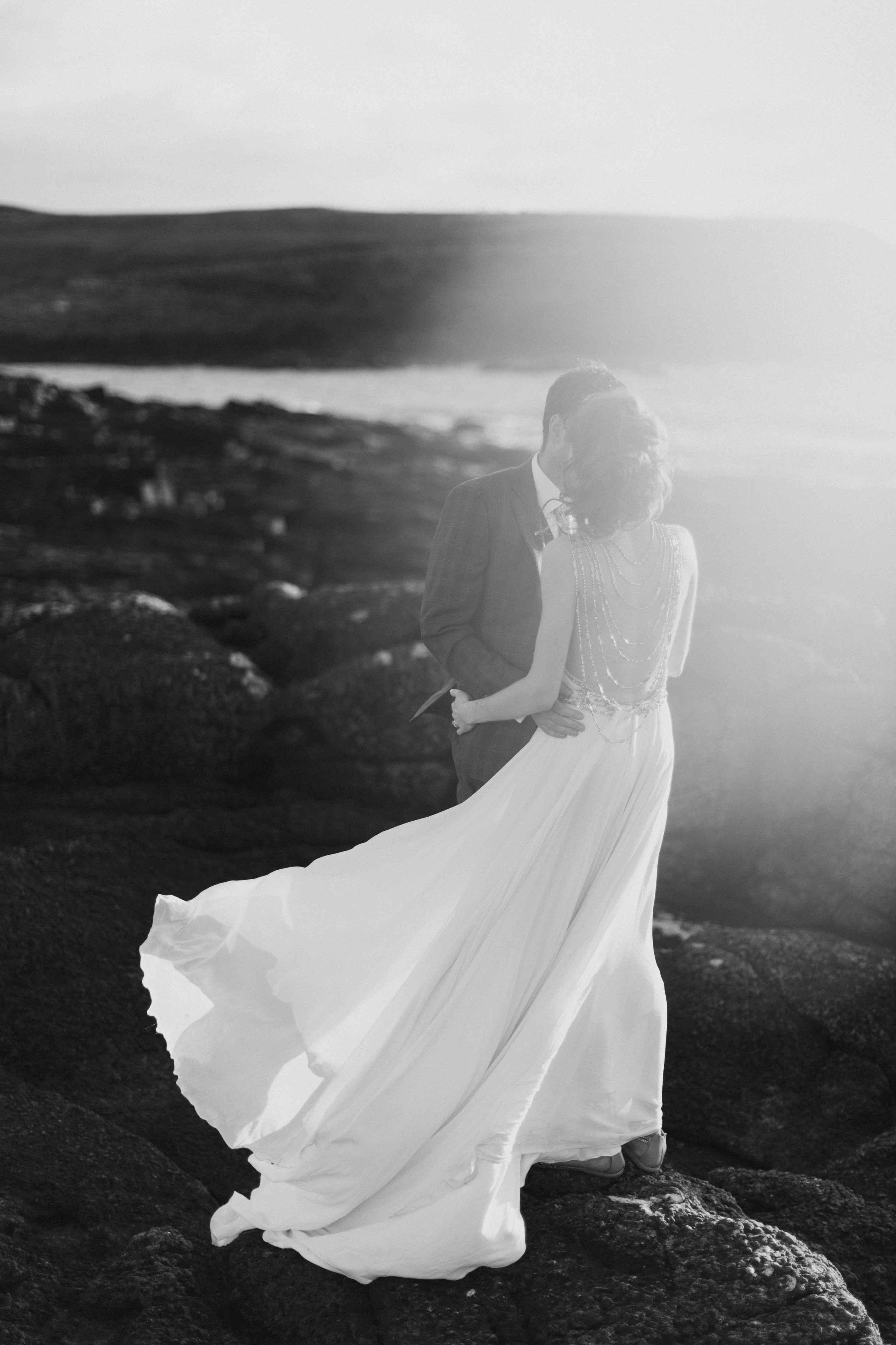 peter-carvill-weddings-fine-art-white-rocks-beach_0183