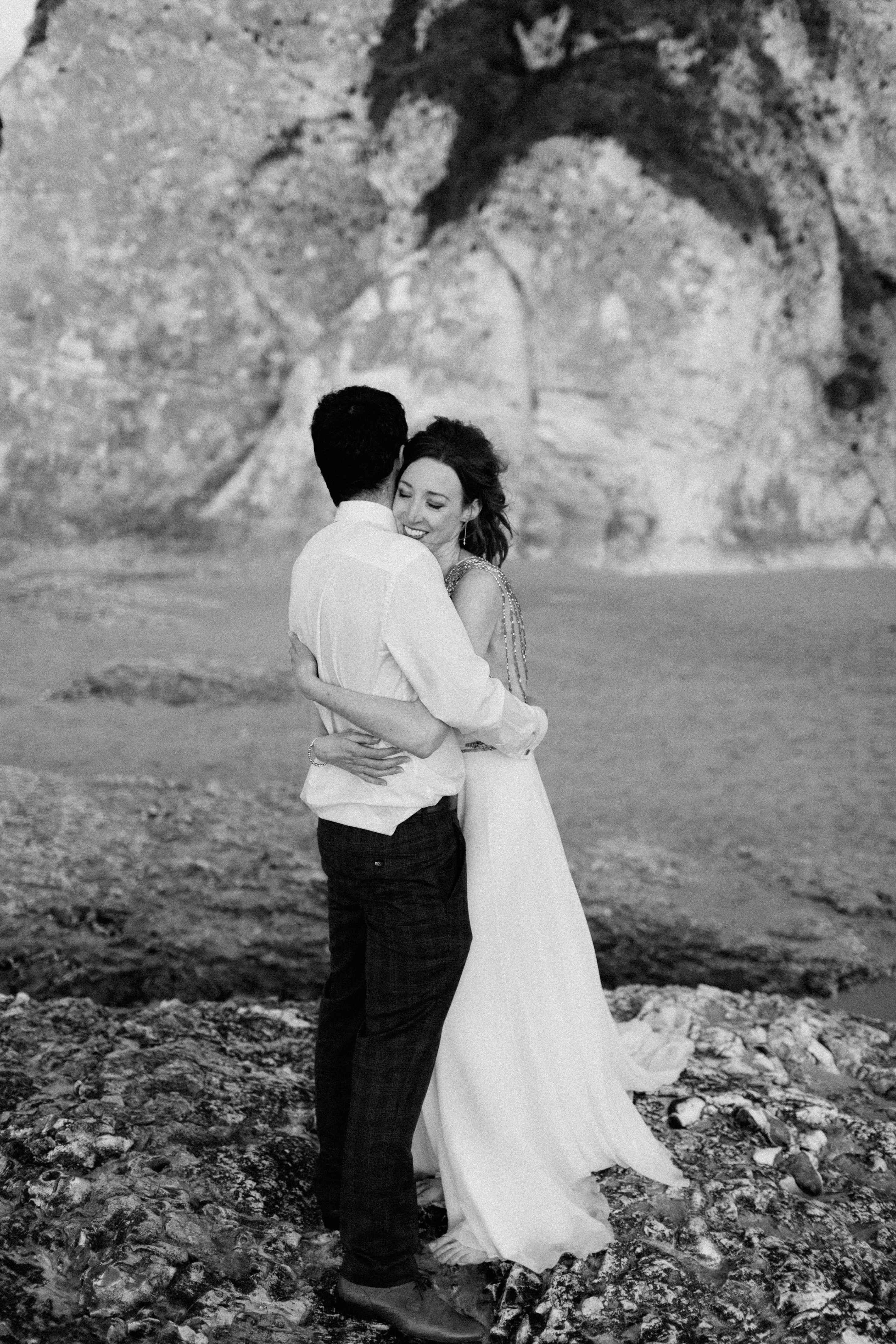 peter-carvill-weddings-fine-art-white-rocks-beach_0196