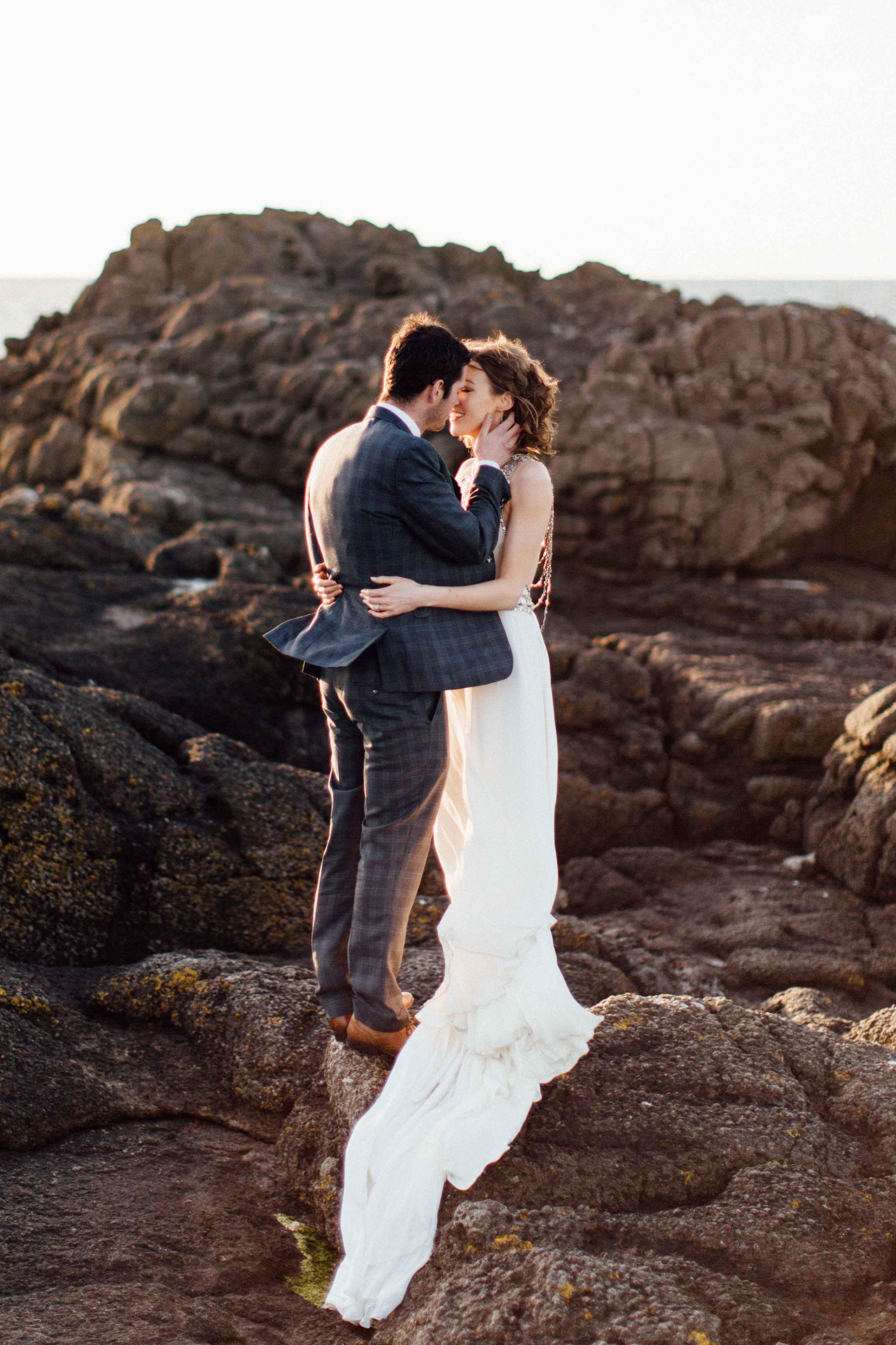 peter-carvill-weddings-fine-art-white-rocks-beach_0203