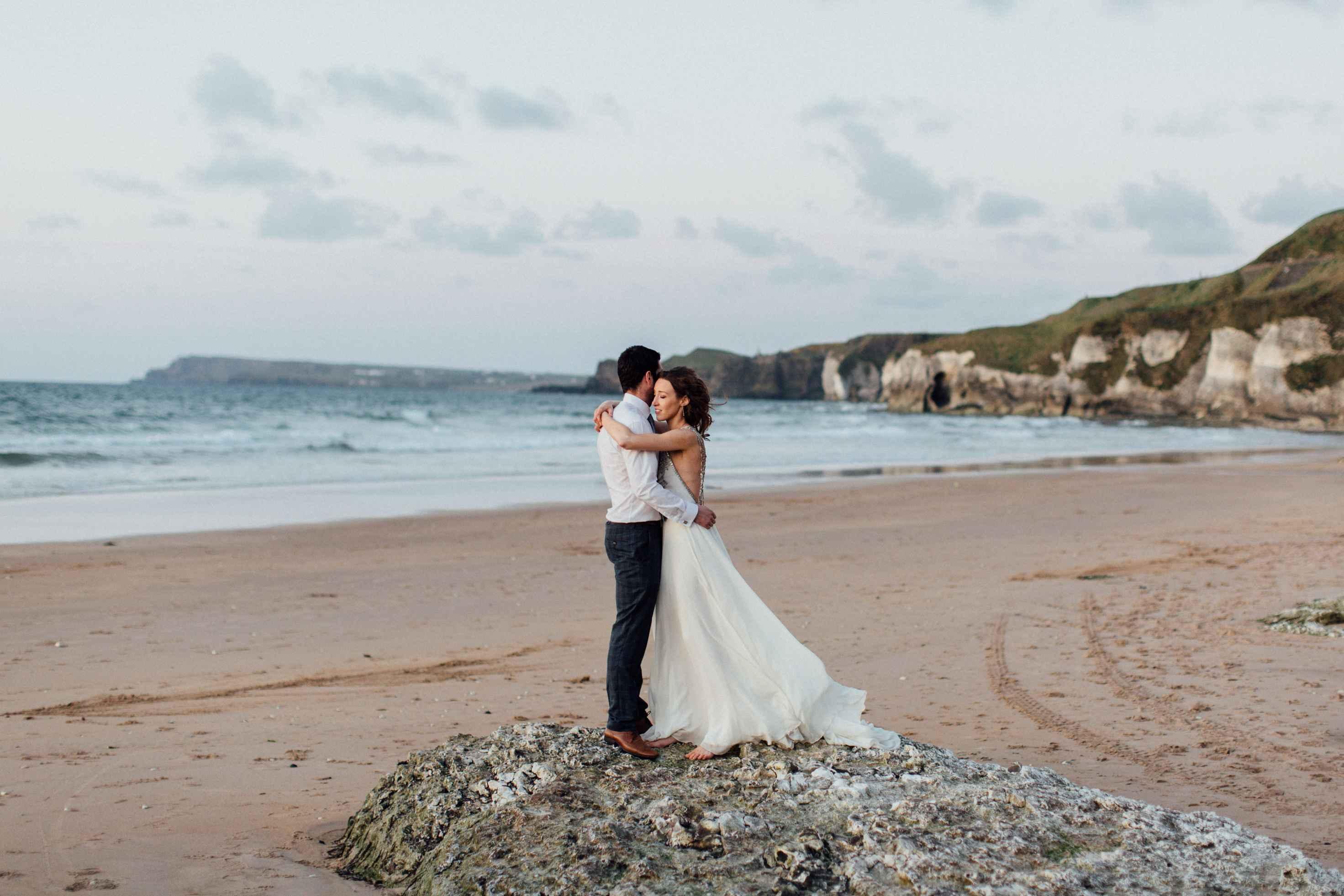 peter-carvill-weddings-fine-art-white-rocks-beach_0209