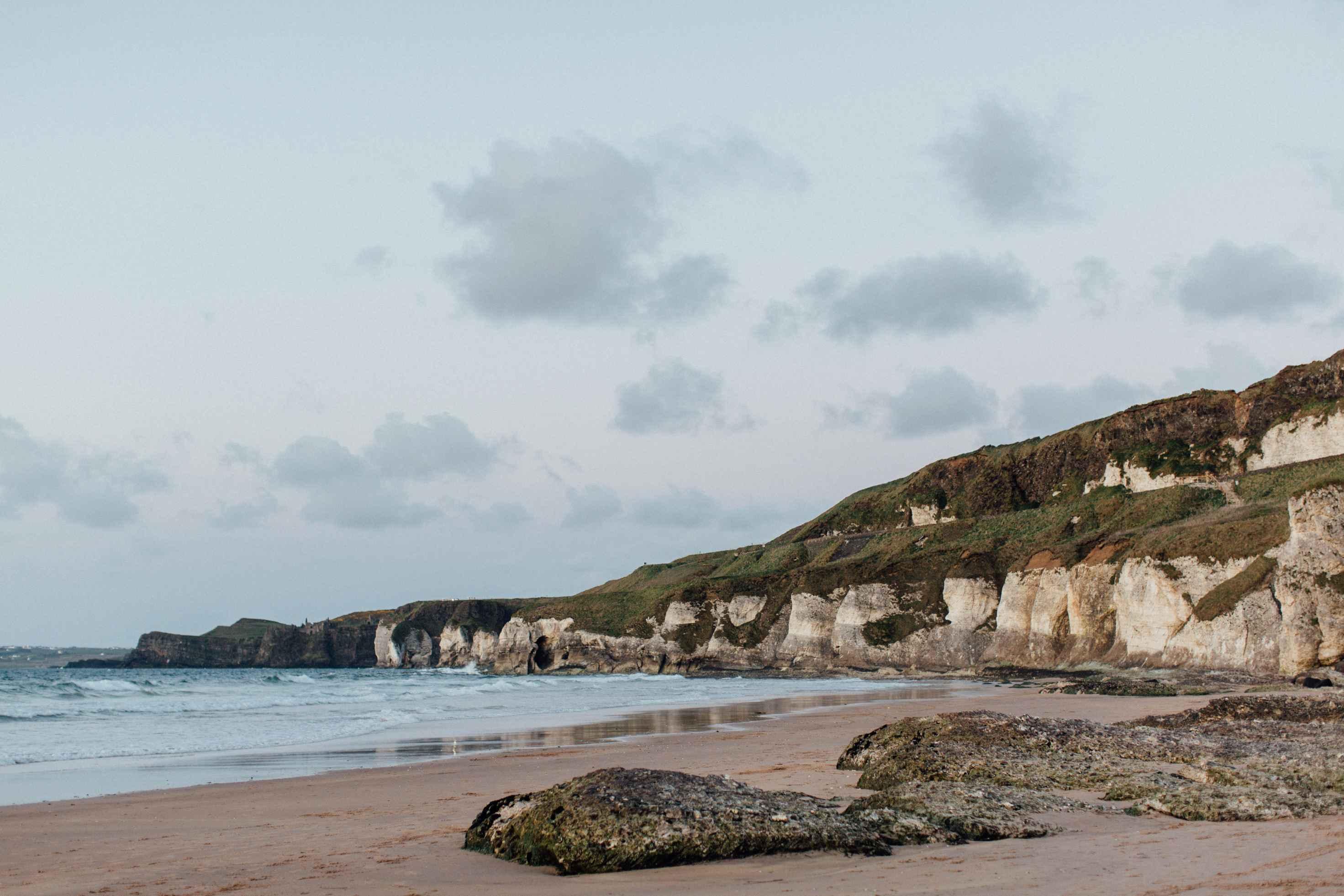 peter-carvill-weddings-fine-art-white-rocks-beach_0210